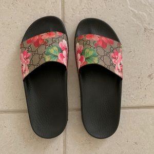 Gucci Shoes - Gucci Pursuit Slide Sandal